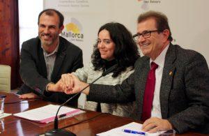 El Govern y la UIB firman un convenio para la investigación en el ámbito de la física de las  ondas gravitacionales